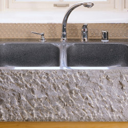 Farmhouse Sinks, Chiseled Front | Küchenspülbecken | Stone Forest