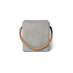 Hold Fast Concrete Cube By Lyon Beton | Tabourets de jardin | Pfeifer Studio