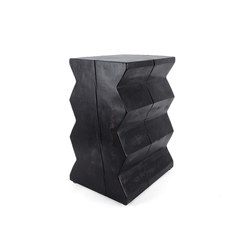 Bandera Solid Wood End Table | Mesas auxiliares | Pfeifer Studio