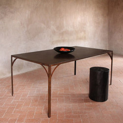 Rustique Dining Table | Restaurant tables | Pfeifer Studio
