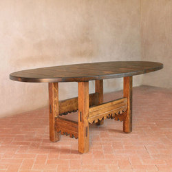 Alegre Dining Table | Restaurant tables | Pfeifer Studio
