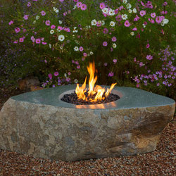 Natural Boulder Fire Vessel | Chimeneas / Barbacoas | Stone Forest