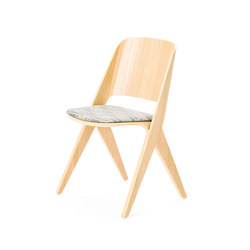 Lavitta chair soft oak, upholstered | Visitors chairs / Side chairs | Poiat