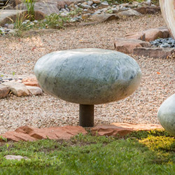 Pebble Seats | Taburetes de jardín | Stone Forest
