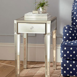 Zoe Bedside Table | Nachttische | Williams-Sonoma, Inc. TO THE TRADE