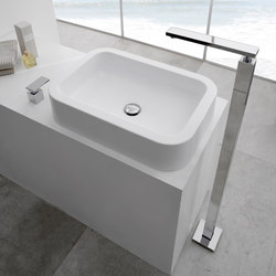 Solar - Floor-mounted bathtub spout