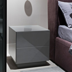 Karl Night table | Mesillas de noche | Meridiani