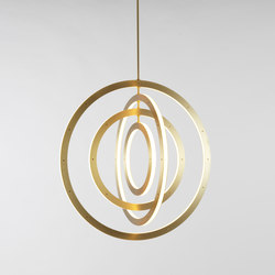 Halo vertical chandelier 4 rings brushed brass | Éclairage général | Roll & Hill