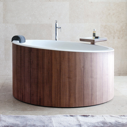Dressage - Freestanding bathtub in solid wood and Corian® | Vasche ad isola | Graff