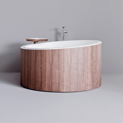 Dressage - Freestanding bathtub in solid wood and Corian® | Baignoires ilôts | Graff