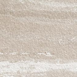 Geo Crema Bush-hammered SK | Panneaux céramique | INALCO