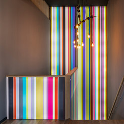 Illuminated Frame Wall-Mounted | Paredes iluminadas | Pixlip
