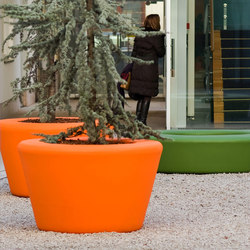 #169 Loop Cone Planter | Plant pots | out-sider