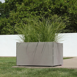 Miter Planter | Macetas plantas / Jardineras | Forms+Surfaces®