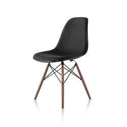 Eames Molded Plastic Side Chair | Restaurant chairs | Herman Miller