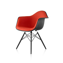 Eames Molded Plastic Armchair | Restaurant chairs | Herman Miller