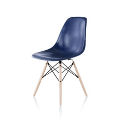 Eames Molded Fiberglass Side Chair | Restaurant chairs | Herman Miller