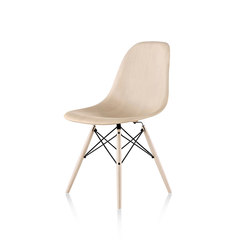 Eames Molded Wood Side Chair | Restaurant chairs | Herman Miller