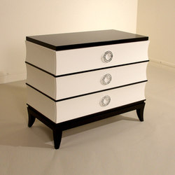 Sereno 3 Nightstand | Mesillas de noche | Cliff Young