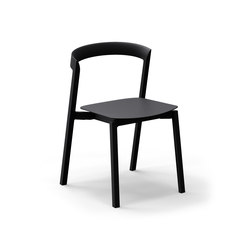 Mornington Stacking Chair with Aluminium Seat | Chaises polyvalentes | VUUE