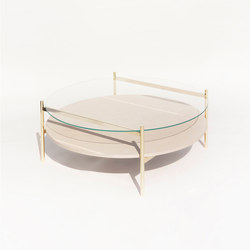 Duotone Circular Coffee Table | Brass /  Birch | Mesas de centro | Yield
