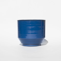 Outdoor Spun Planter 16"