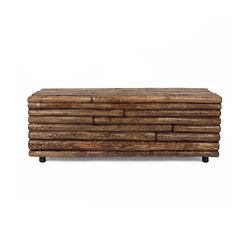 Las Latillas Wooden Bench | Bancs d'attente | Pfeifer Studio