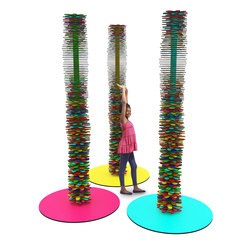 Rainbow Spinning Totem | Spielmöbel | Yellow Goat Design
