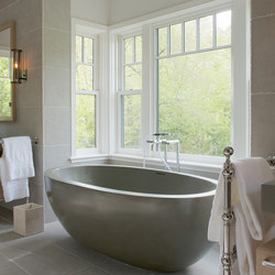 Oceanus Bathtub | Freistehend | Tyrrell and Laing International