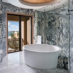 Rhondamay Bathtub | Vasche ad isola | Tyrrell and Laing International