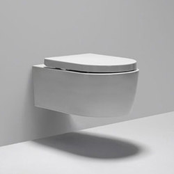 L seat | duroplast soft-close seat & lid | Toilet seats | Blu Bathworks