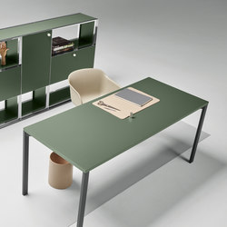 Mesh Office Desk | Individual desks | Piure