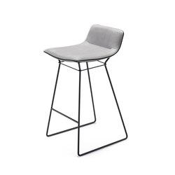 Amelie | Counter Stool Low | Bar stools | Freifrau Sitzmöbelmanufaktur