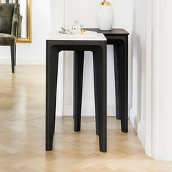 Vitória Porcelain Table | Side tables | Neue Wiener Werkstätte
