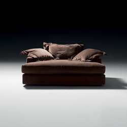 Camillo Sofa | Sofas | black tie
