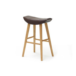 Kya | Kitchen Stool with wooden frame | Sgabelli bar | Freifrau Sitzmöbelmanufaktur