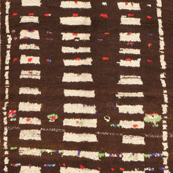 Vintage Mid Century Moroccan Berber Rug | Formatteppiche | Nazmiyal Rugs