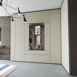 Gliss up cabinets from molteni c architonic for Caccaro roomy