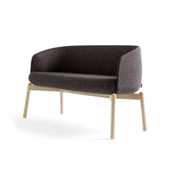Low Nest Sofa Wood | Canapés d'attente | +Halle