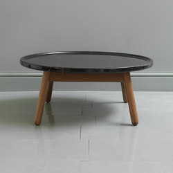 Carve marble round coffee table | Tavolini da salotto | Bethan Gray