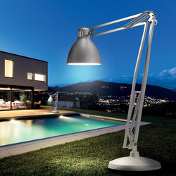The Great JJ Outdoor | Free-standing lights | Leucos