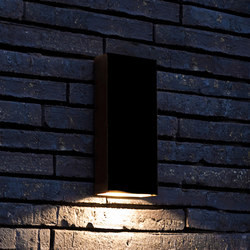 SIMPLY PILLAR down Wall medium Black LED | Lampade outdoor parete | PVD Concept