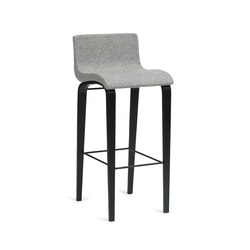 Curves | bar one | Bar stools | Erik Bagger Furniture