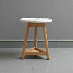 Carve marble side table | Mesas auxiliares | Bethan Gray