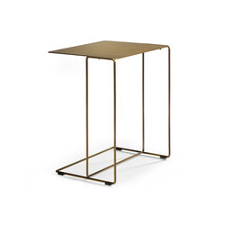 Oki occasional table | Tables d'appoint | Walter K.