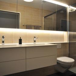 vitessa mit WC-Front geplättelt | Armoires de salle de bains | talsee