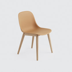 Fiber Side Chair | wood base | Sièges visiteurs / d'appoint | Muuto