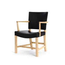 The Red Armchair | Oak 37581 | Chaises | Carl Hansen & Søn