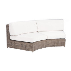 Sag Harbor Sectional Cuved Settee | Gartensessel | Kingsley Bate