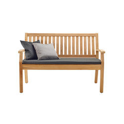 Windsor Bench with arm and back, small | Bancos de jardín | solpuri